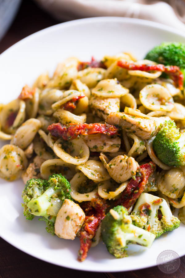 basil pesto pasta sundried tomatoes broccoli