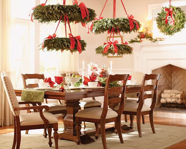 How to Decorate Charistmas Table