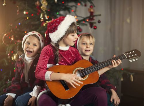 The 5 Best Christmas Songs of All Time That You Can Sing with a Guitar